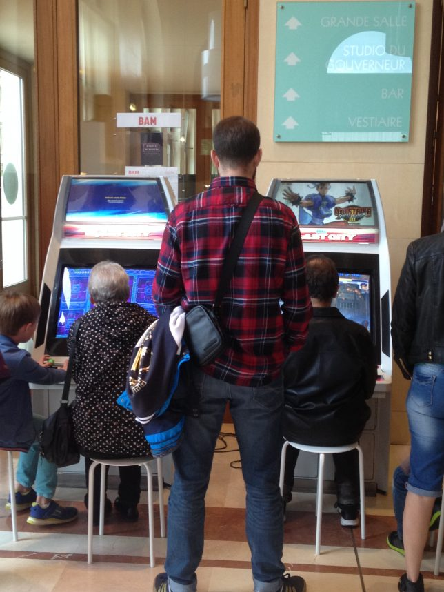 Les jeux d'arcade ont envahi le hall de l'Arsenal durant le Festival Ondes Messines en juillet 2016.