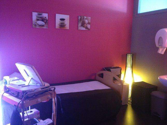 Salle de monitoring dans le bâtiment Feminae de l'hôpital-clinique Claude Bernard à Metz