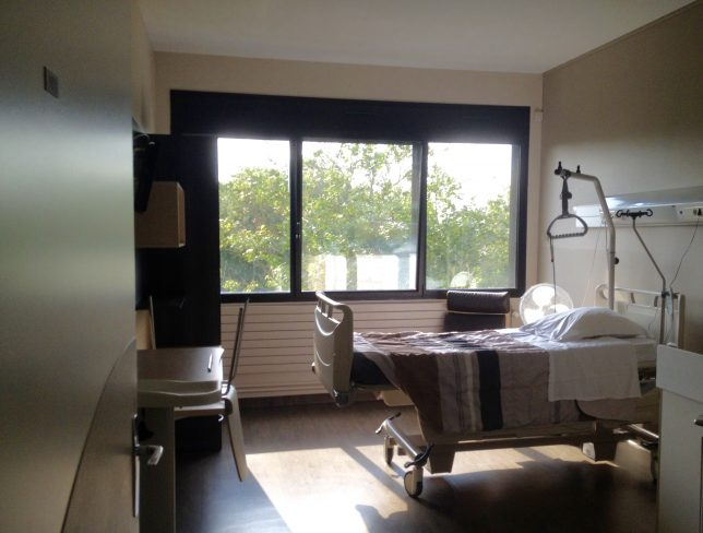 Chambre de maternité de l'hôpital-clinique Claude Bernard à Metz