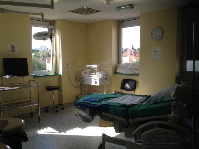 Salle d'accouchement à la maternité de l'hôpital-clinique Claude Bernard à Metz