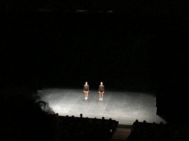 Danseurs de Duo saluant la salle de l'Arsenal, Metz