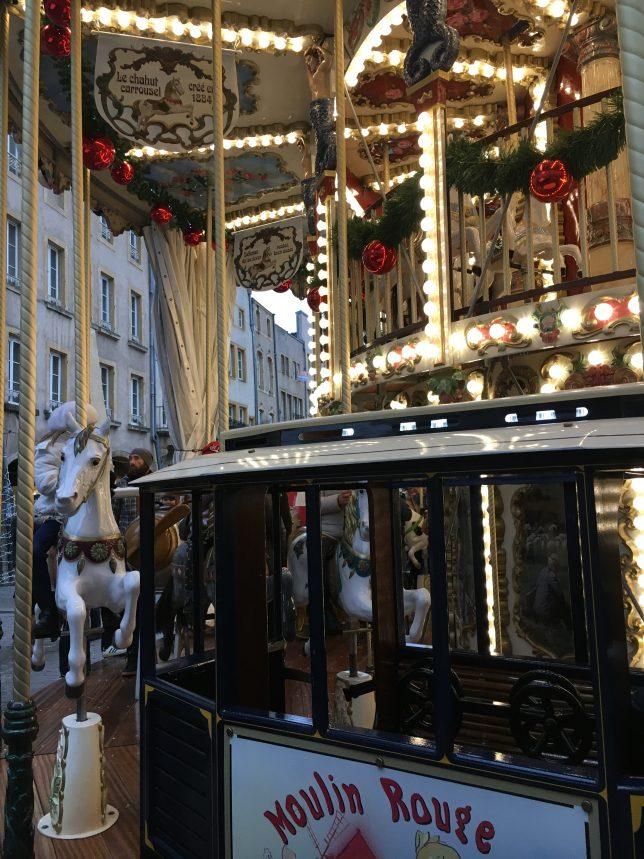 manege-marché-noel-place-saint-louis-metz