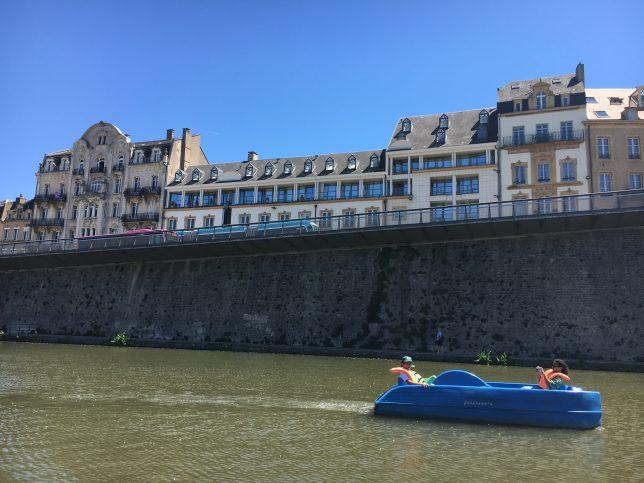 centre-ville-mont-saint-quentin-bateau-solaire-metz-solis-mettensis-adoptemetz