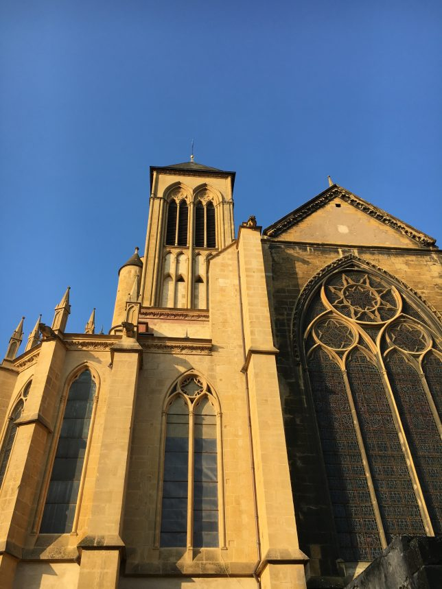 lieu-insolite-metz-basilique-saint-vincent-adoptemetz
