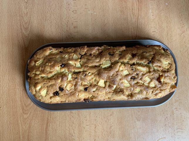 petit-chef-recette-gâteau-pommes-raisins-noix